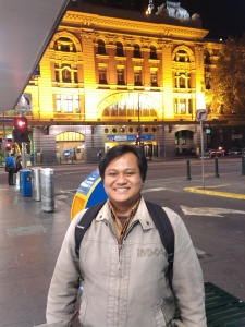 sempet ditinggal ke moelbourne